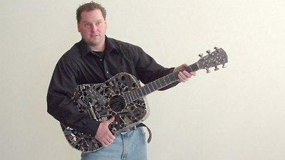 scul-kpwithguitar