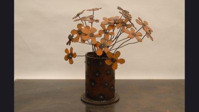 scul-orangeflo-vase