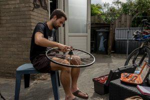 Cassette vervangen tijdens een cursus fietsenmaker