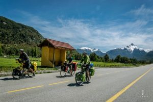 Friends cyclins on the Carretera Austral