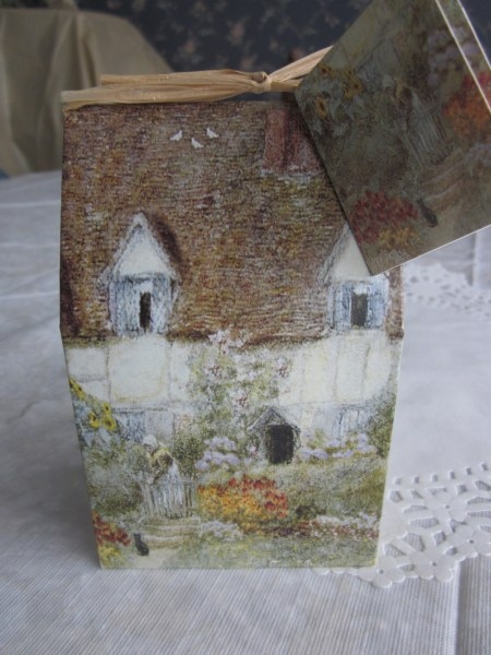 Cottage Gift Box
