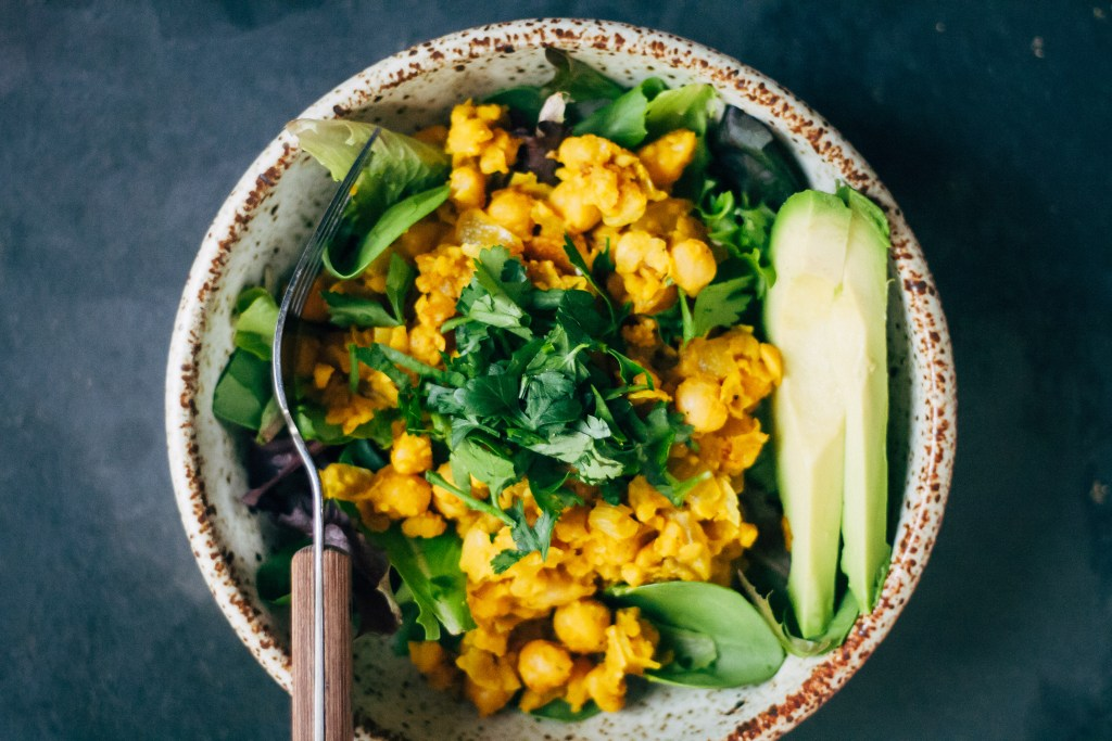 Chickpea Scramble Breakfast Bowl | Well and Full | #vegan #recipe