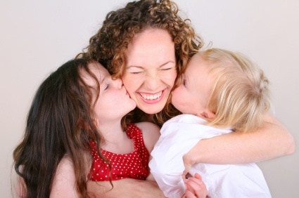 https://i0.wp.com/wellandgood.com/wp-content/uploads/2012/01/mom-hugging-kids.jpeg