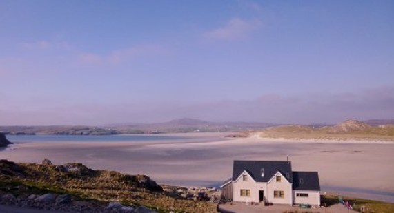 Couple's vacation in Auberge Carnish in Scotland