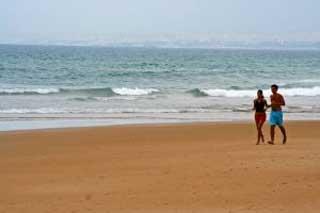 _jogging_on_the_beach