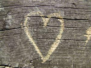863192_wooden_heart_1