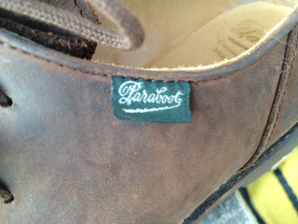 The Paraboot logo, on a handy label.