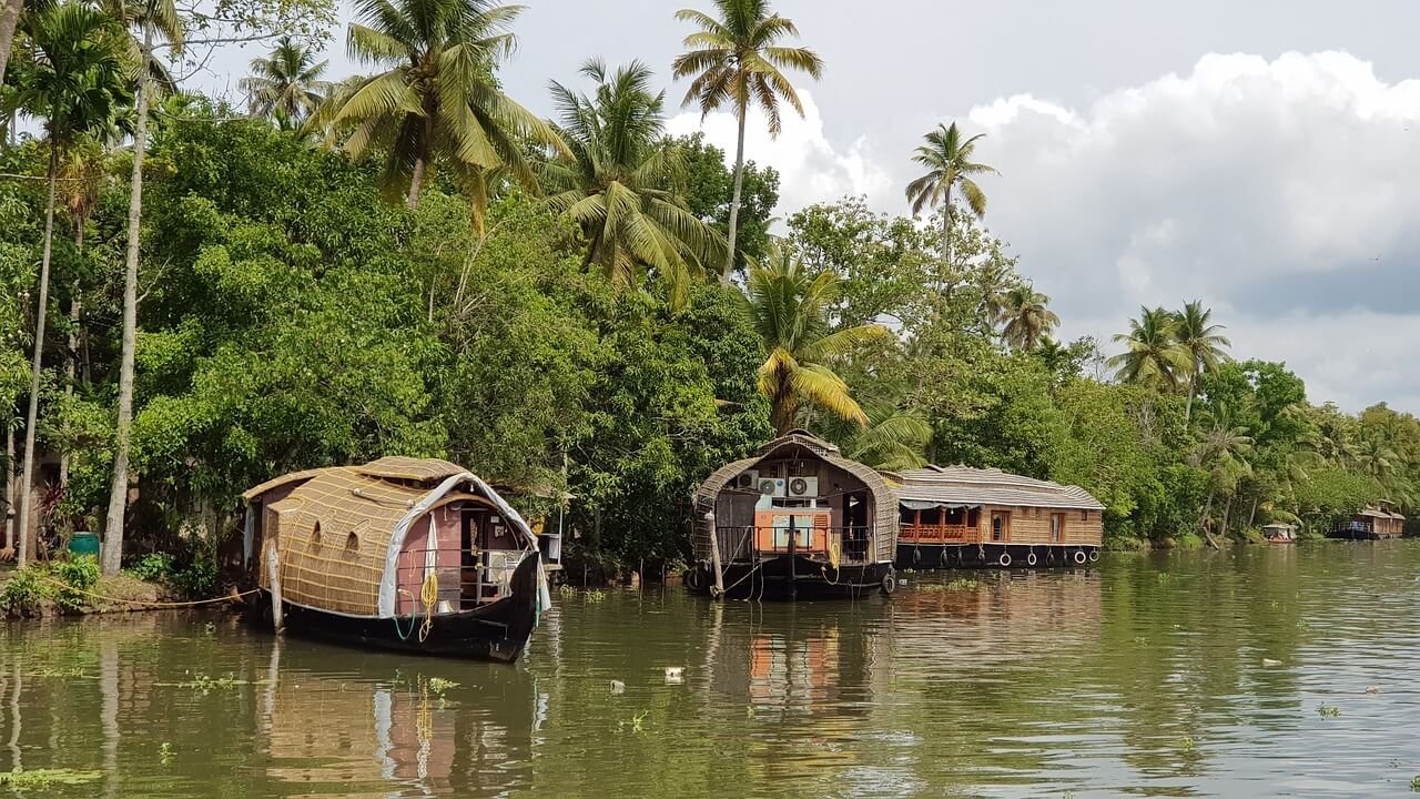 Top 5 Beautiful Backwater Retreats in Kerala
