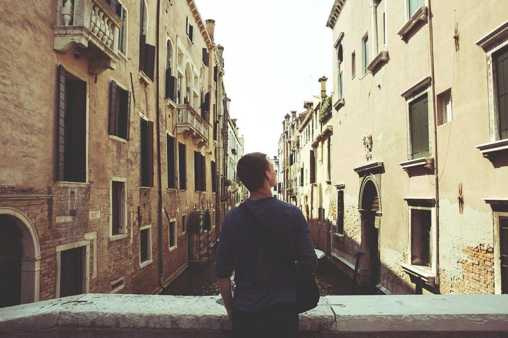 Common Fears When Moving Abroad and Tips to Overcome Them