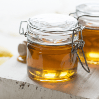3 DIY Manuka Honey Treatments for Your Hair, Face and Hands