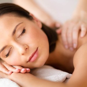 Tok-Sen Wien Schulter Nacken Wellness zur Lockerung bei Muskelverspannungen tok_sen_klassische_energetic_thai_massage_vienna_schultern_nackenmassage_muskelverspannung