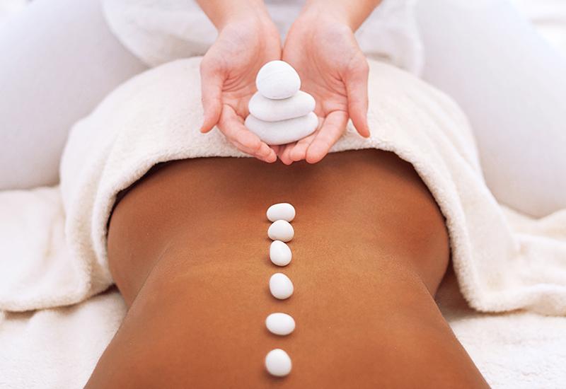 Corso di hot stone massage