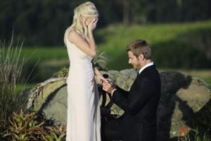 brad-womack-proposes-to-emily-on-the-bachelor-march-2011