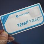 赤ちゃんの体温をリモートで監視する貼るBluetooth体温計「TempTraq」