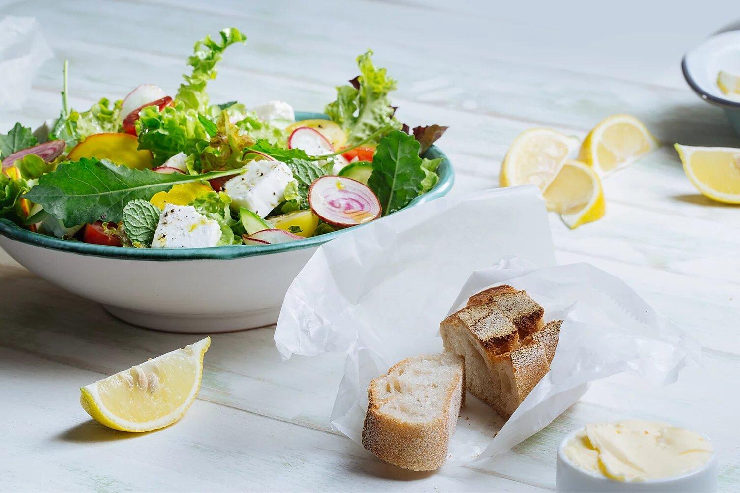 une assiette vegan équilibrée et colorée