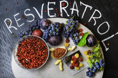 Food Rich With Resveratrol, Grapes, Plums, Goji, Peanuts, Cranberry, Raspberrys, Dark Chocolate
