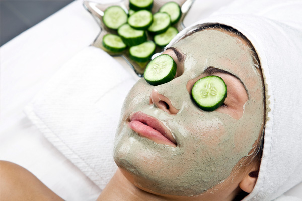 Cucumbers are effective for various skin problems including swelling under the eyes and sunburn.