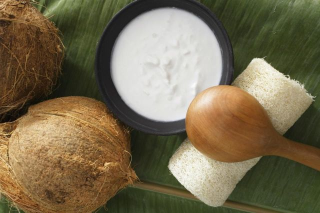 Use Coconut Oil in Your Beauty Routine