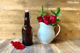 Come fare l'acqua di rose per profumare la cucina e la cura della pelle