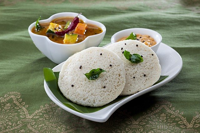 Step by step guide on Indian diet for diabetes: Idli with samber and chutney is good for diabetes