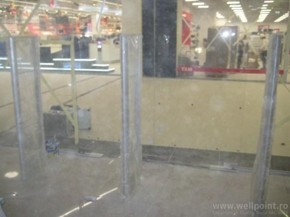 a61128-antifurt-magazin-imbracaminte-piatra-neamt-mall_IMG_5593