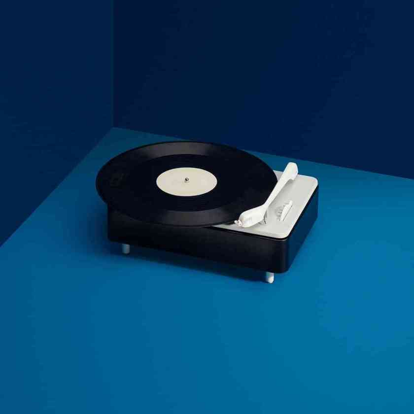 PC-3-SV-turntable-designed-by-Dieter-Rams-Wilhelm-Wagenfeld-and-Gerd-Alfred-Muller-for-Braun-1956.-Photo-by-Wright.