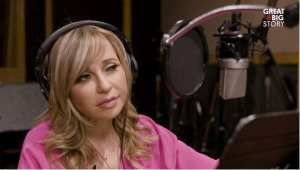 a picture of voice actor Tara Strong