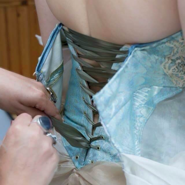 Anna Dixon Corset Construction