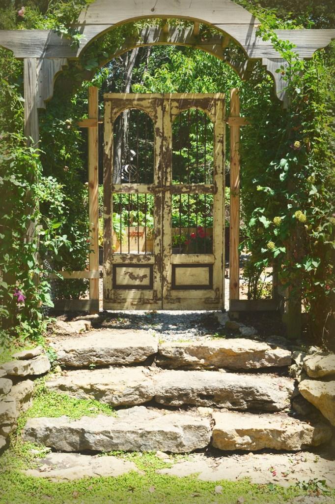 garden gate 10