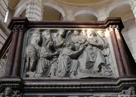Inside the Baptistery--lucky lighting!