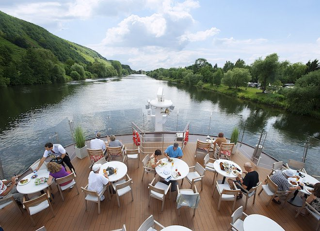 Outdoor dining along the beautiful waterways of Europe.