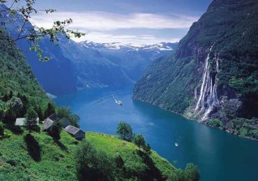 West Norwegian Fjords - Image Andrew Marshall 800x600