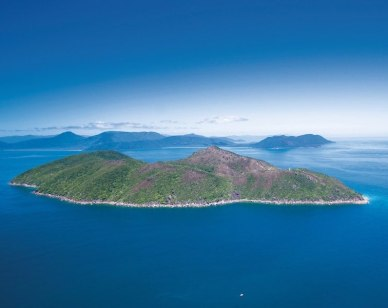The magnificent Whitsunday Islands 800x600 - Image credit Tourism & Events Queensland