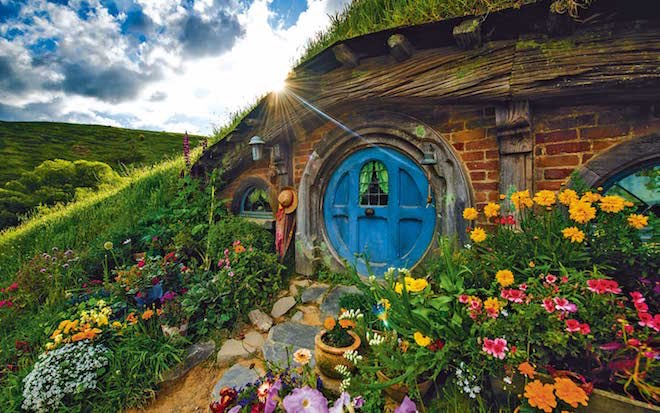 Hobbiton movie set - Image Scenic