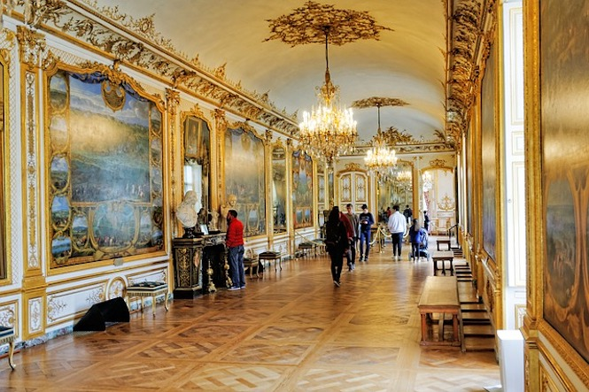 The gilded halls of Chateau de Chantilly