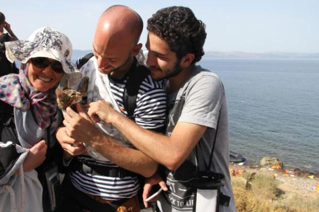 This Syrian family brought their beloved cat to Greece