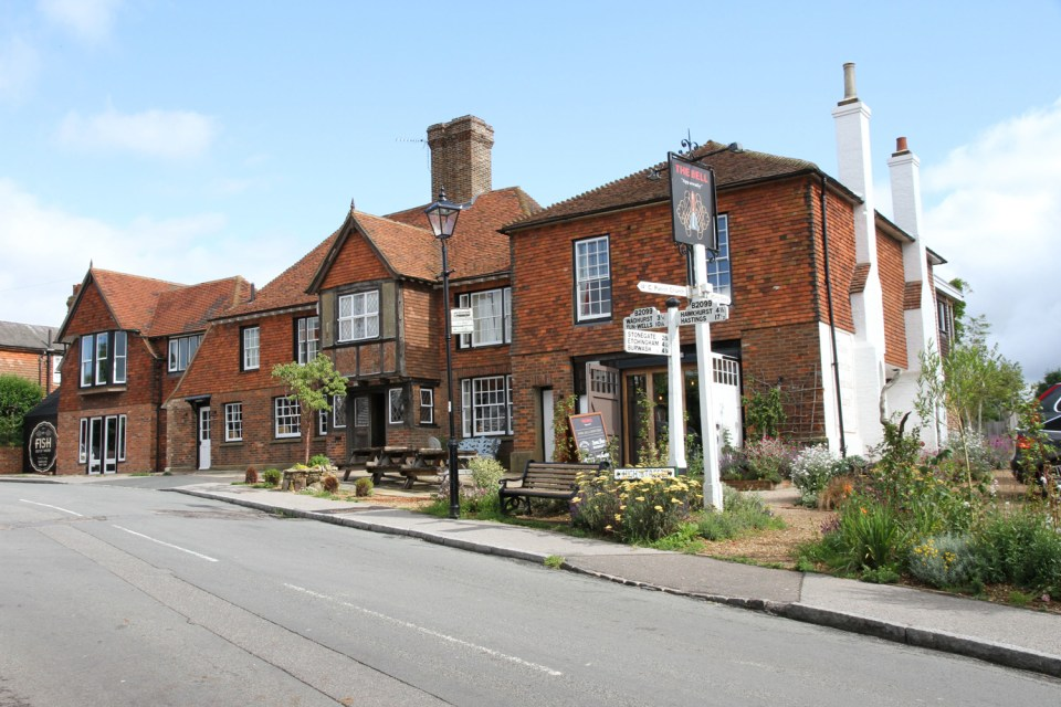 THE BELL TICEHURST | WE LOVE FOOD, IT'S ALL WE EAT