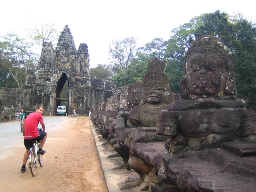 029 - Angkor Thom city gates