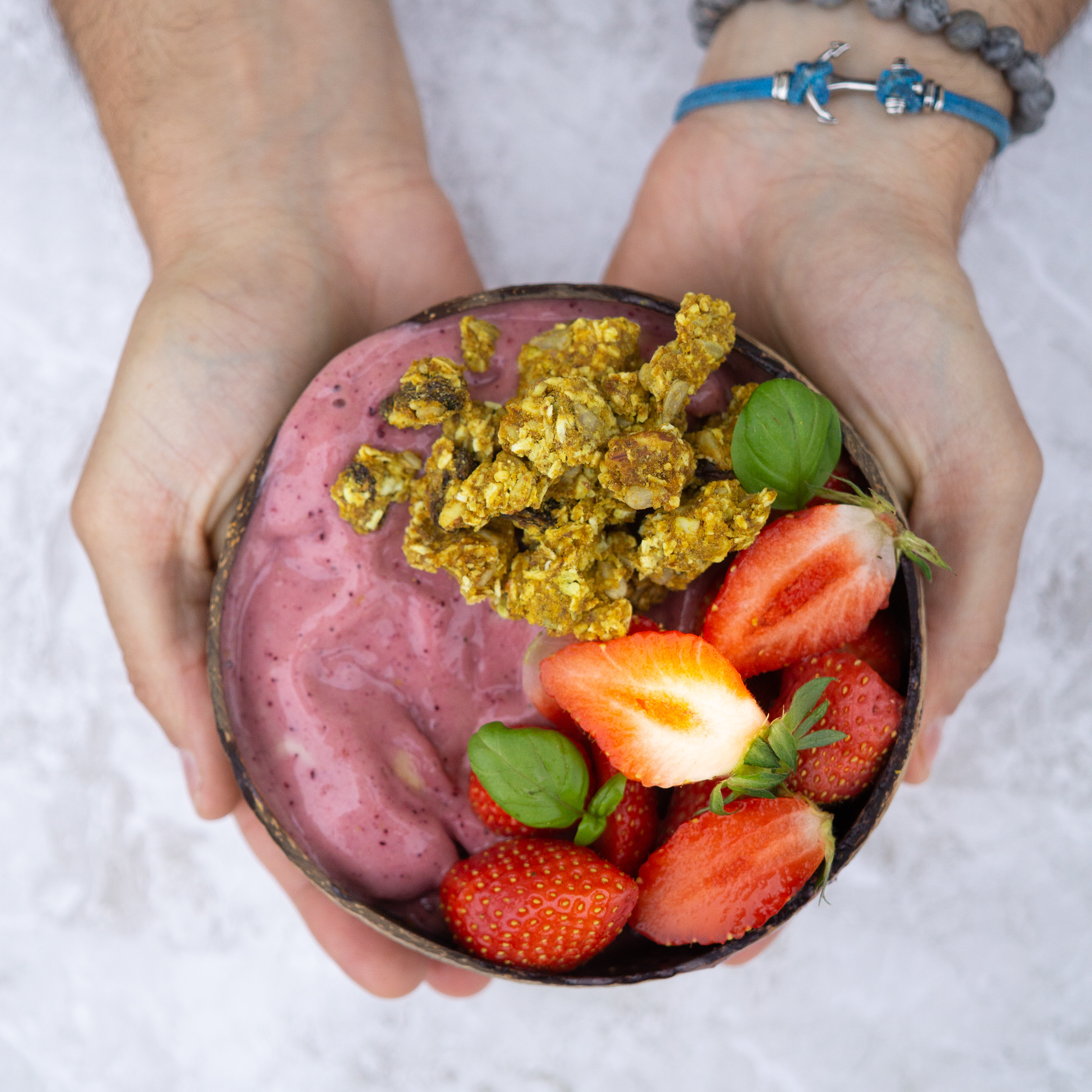 Smoothiebowl fruits rouges & Sunnykrunch