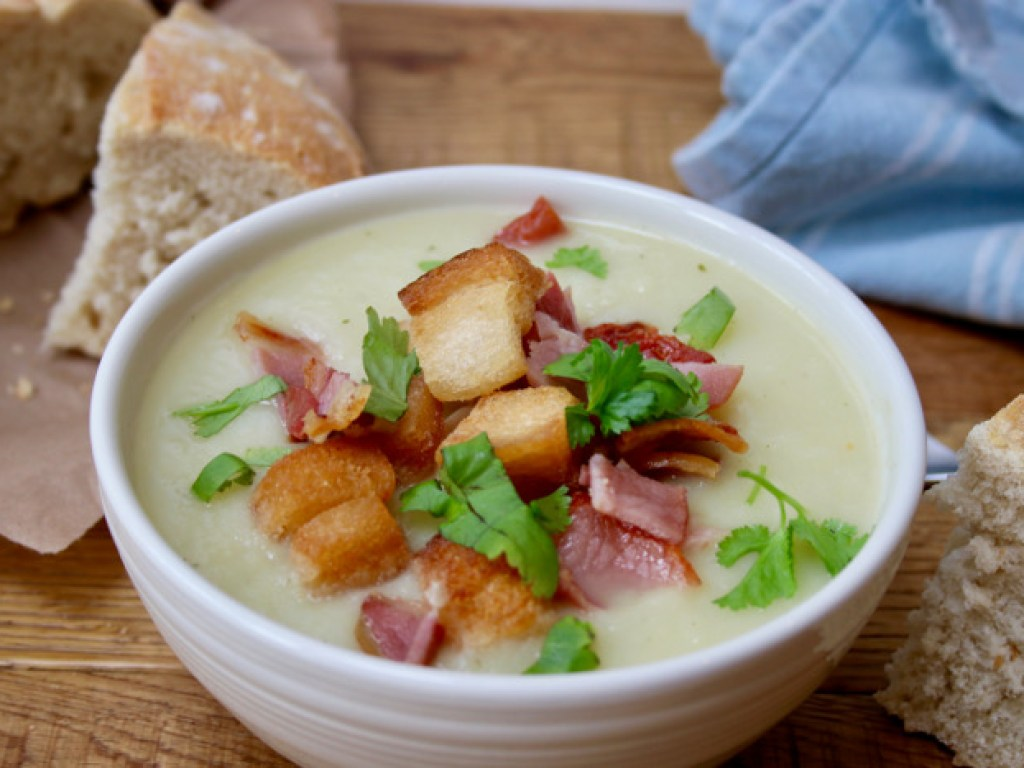 Rustic Leek and Potato Soup with Bacon and Croutons Recipe