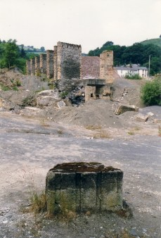 Raised tramway piers and engine base