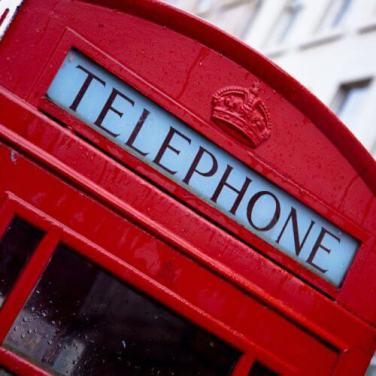 Für ein Pfund kann man als Gruppe oder Gemeinde eine Telefonzelle kaufen.