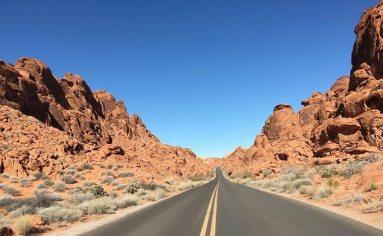 Straßen, die ins Unendliche zu führen scheinen.