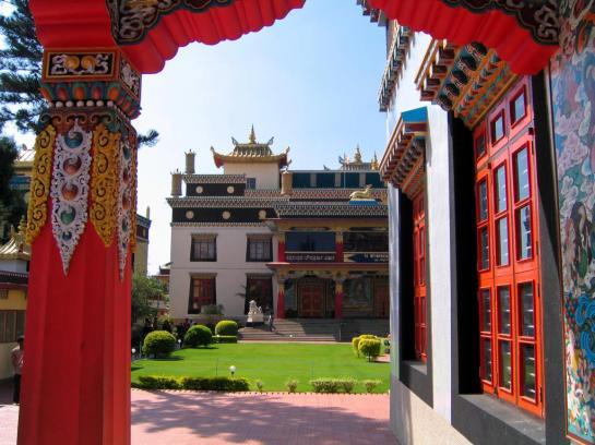 Bunte tibetische Architektur