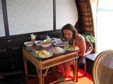 3 Tage private Hausboot-Tour, mit 3 Angestellten und lecker Essen