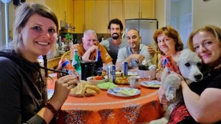 Elizabeth und Vlad nehmen uns in Toronto bei sich auf und wir feiern mit Freunden und Familie Happy Canada Day!