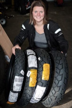 Ein Gefühl wie Weihnachten: Continental schickt uns ein Paket Reifen nach Kalifornien um uns für Südamerika fit zu machen.