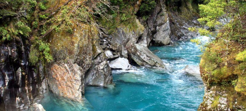 Blue Pools: Auch bei Regen blau