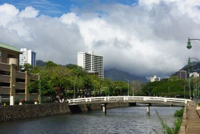 Quer durch Waikiki zieht sich ein Kanal, der früher zum Entwässern der Umgebung gebaut wurde