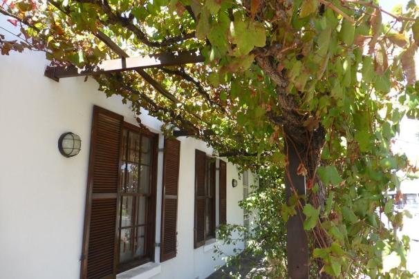 typisches Weinbauernhaus mit Laubengang in Robertson